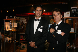 Joakim Laurila med James Bond på Guldmässsan i Berns salonger 12 oktober 2007