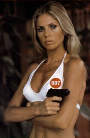 Britt Ekland as Mary Goodnight
