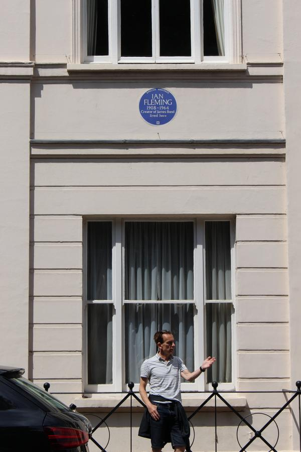 ENGLISH HERITAGE IAN FLEMING 1908-1964 CREATER OF JAMES BOND LIVED HERE EBURY STREET 22 LONDON JAMES BOND GUNNAR SCHÄFER